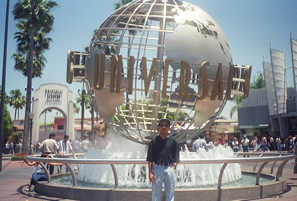 In Front Of Universal studio!! Holywood